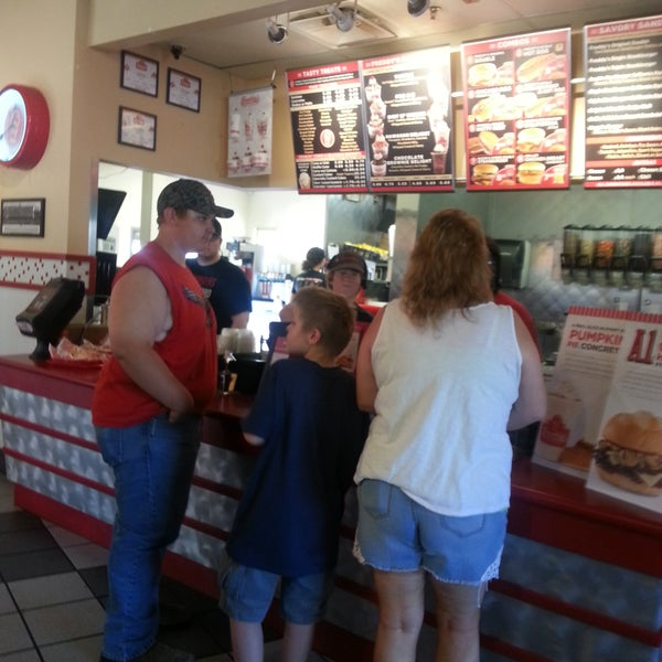 Photo taken at Freddy's Frozen Custard and Steakburgers by Norm S. on 10/23/2016