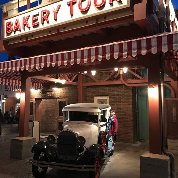 Photo taken at The Bakery Tour, hosted by Boudin® Bakery by Ron E. on 4/17/2017