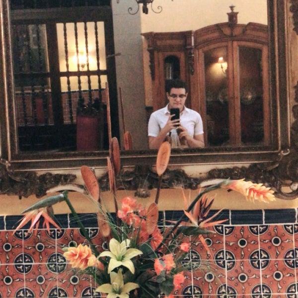 Foto tomada en Hotel Posada Santa Fe por Erick M. el 11/18/2017
