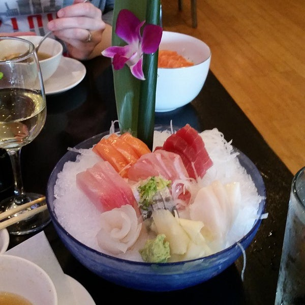 Photo taken at Masamoto Sushi & Asian Grill by Dave F. on 4/20/2015