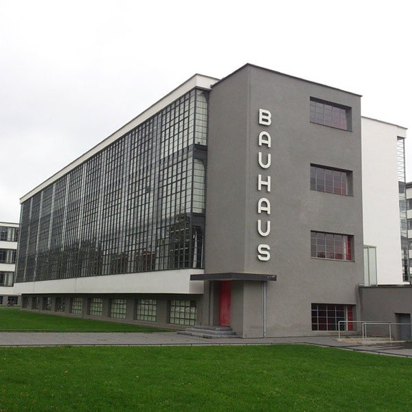 bauhaus college arts building in dessau. Black Bedroom Furniture Sets. Home Design Ideas