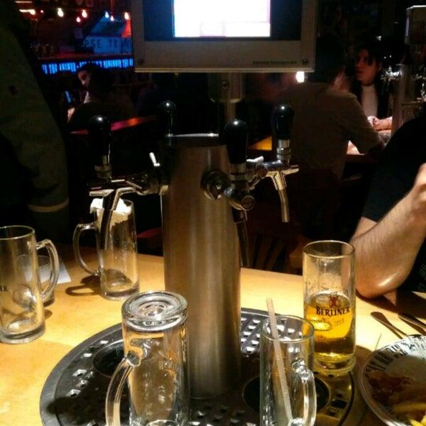 Das Foto wurde bei The Pub Berlin von Bolkar E. am 6/29/2017 aufgenommen