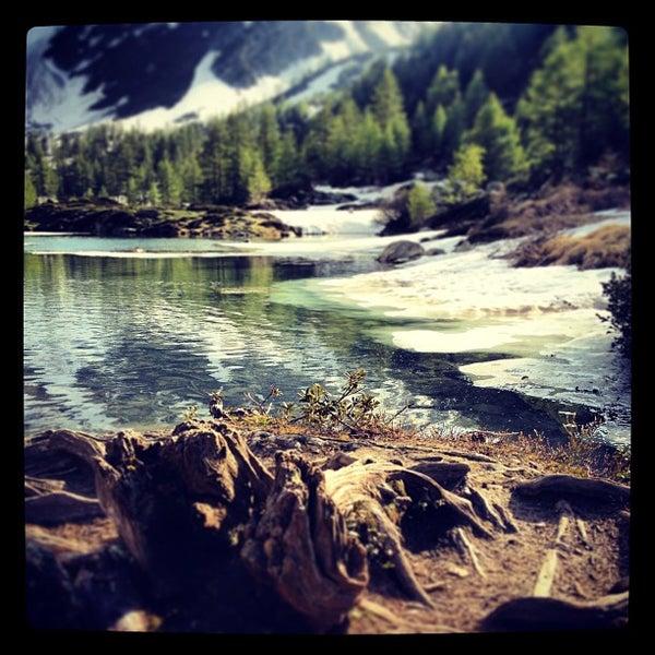 Lago di arpy lake in morgex for Casetta sul lago catskills ny