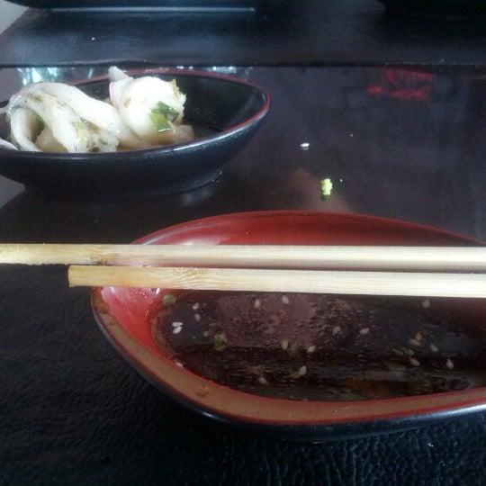 Foto tirada no(a) Hachi Japonese Food por Madellon A. em 12/23/2012