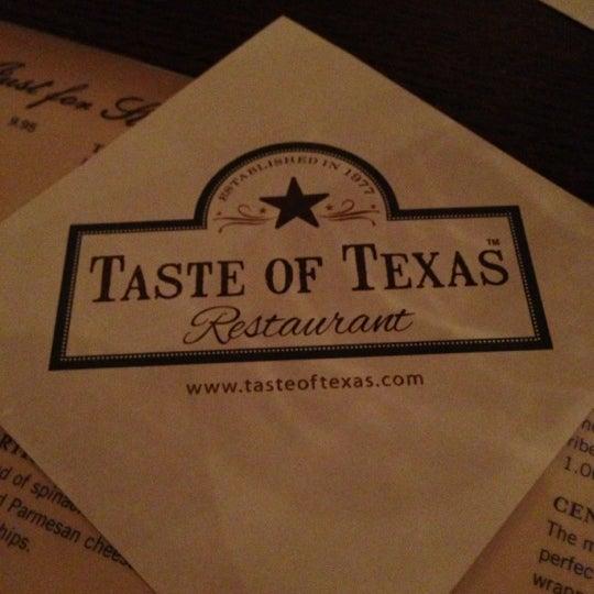Foto tomada en Taste of Texas por Alban L. el 10/4/2012