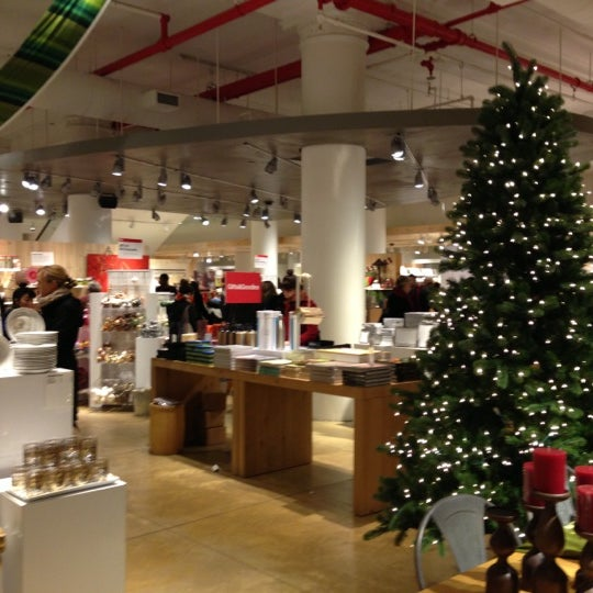 Photo taken at Crate and Barrel by Pauline L. on 12/20/2012