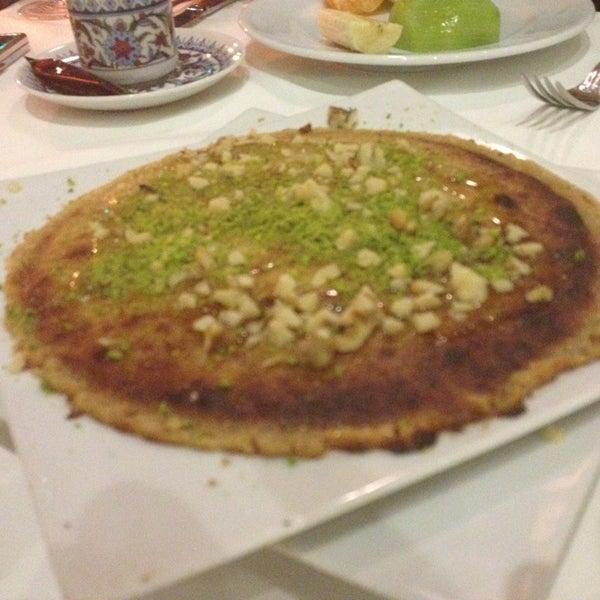 2/9/2013 tarihinde Ecem D.ziyaretçi tarafından Foça Fish Gourmet'de çekilen fotoğraf