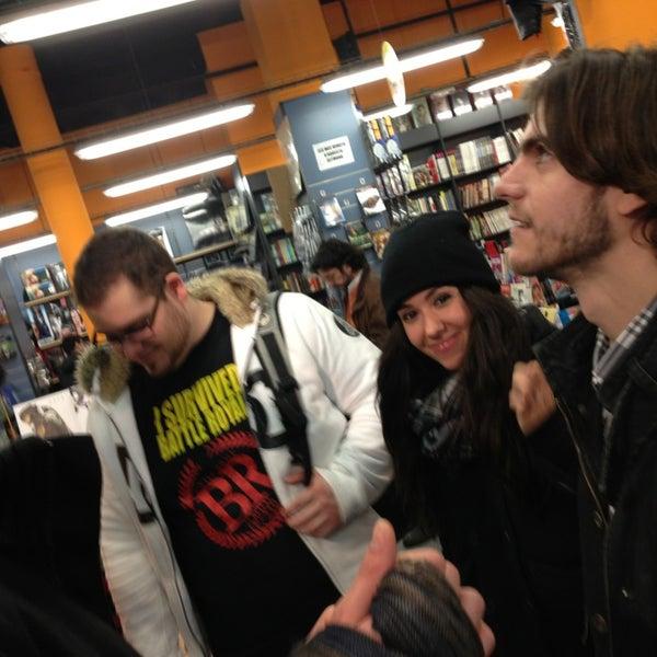 Foto tomada en Norma Cómics por Alex B. el 1/26/2013
