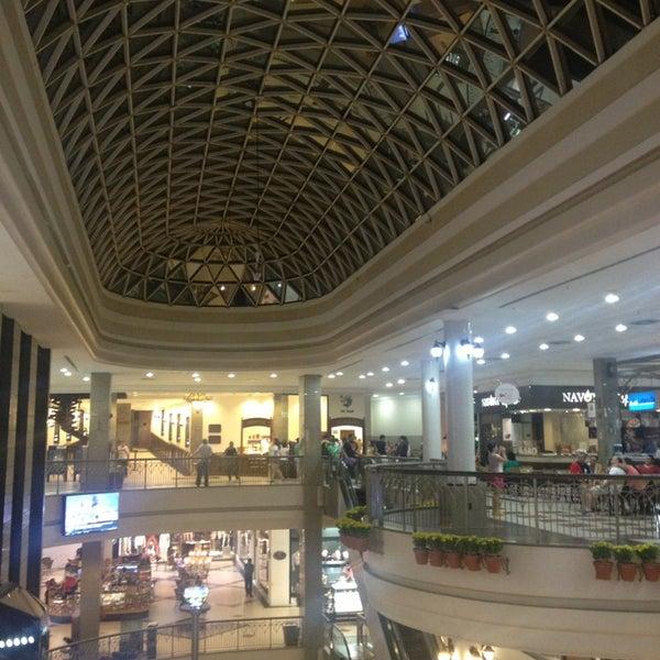 Foto tirada no(a) Shopping Del Paseo por Luis A. em 2/9/2013