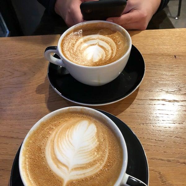 Снимок сделан в Irving Farm Coffee Roasters пользователем Michael M. 2/10/2018