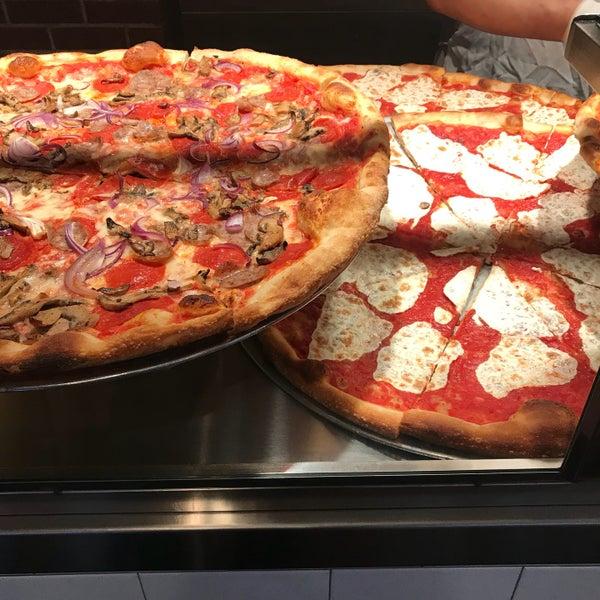 Foto tomada en Joe's Pizza por marczero el 3/16/2018