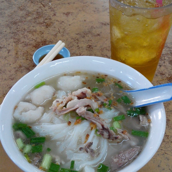 The Duck kueh teow is a must try. Broth is light and sweet. Kopitiam is alwys filled with crowds , not ezy to get seats.