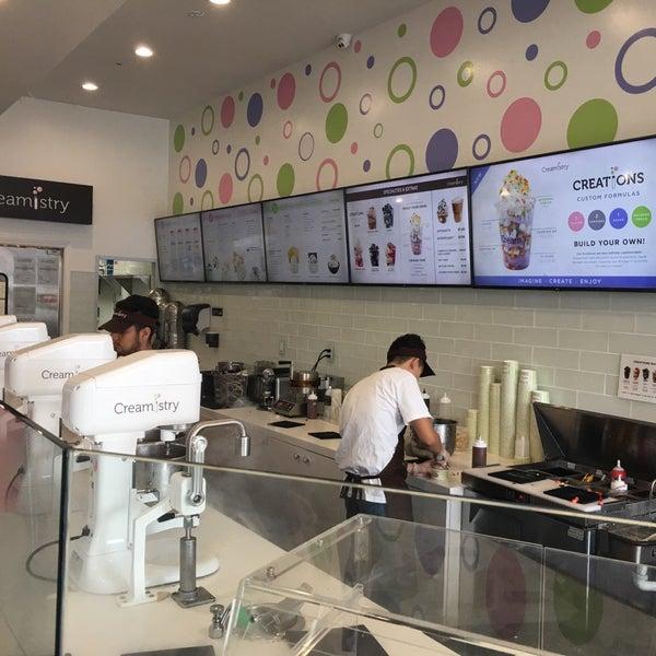 Foto tirada no(a) Creamistry por Jennifer H. em 4/15/2017