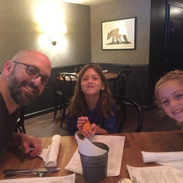 Photo taken at Left Coast Kitchen & Cocktails by Jodi G. on 9/10/2016