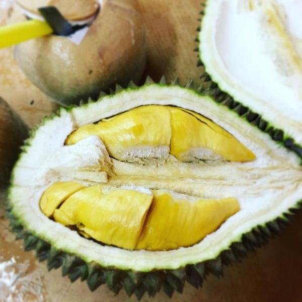 """Photo prise au """"Combat"""" Top Quality Durian par Lesley L. le7/31/2016"""