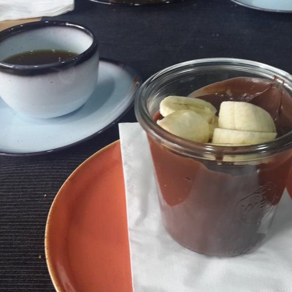 Yemek ve uzerine tatli-kahve harikaydi. Cok keyifli bir yemekti