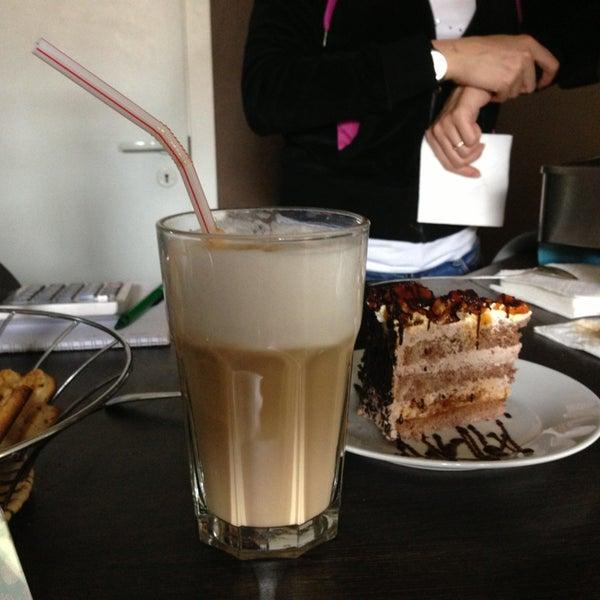 Снимок сделан в Good Morning Coffee пользователем Oksana D. 6/4/2013