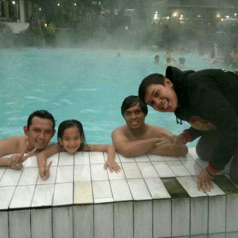 Photo taken at Pemandian Air Panas - Hotel Duta Wisata Guci by pycqo on 6/8/2013