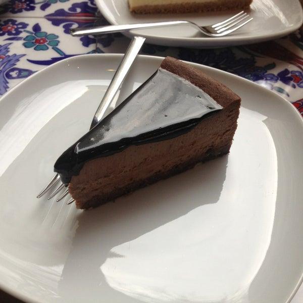 1/29/2013 tarihinde Ahmet U.ziyaretçi tarafından Maria's Cheesecakes'de çekilen fotoğraf