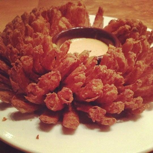 Foto tirada no(a) Outback Steakhouse por Mariane P. em 11/5/2012