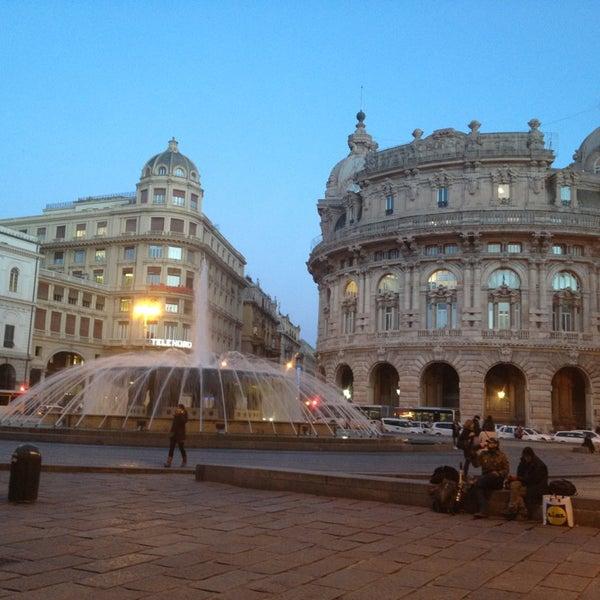 Foto scattata a Piazza de Ferrari da Татьяна М. il 2/6/2013