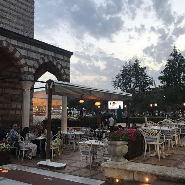 7/25/2017 tarihinde Ā•🦌ziyaretçi tarafından Mihri Restaurant & Cafe'de çekilen fotoğraf