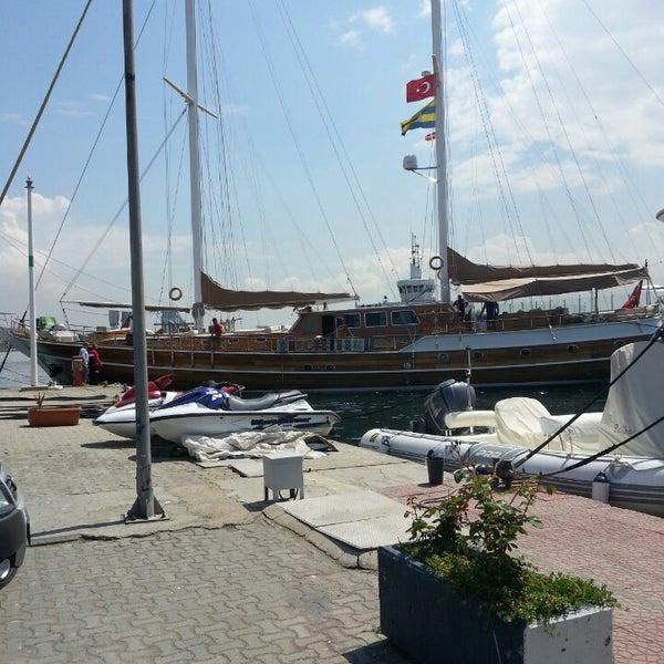 6/4/2013 tarihinde NoNameziyaretçi tarafından Ataköy Marina'de çekilen fotoğraf