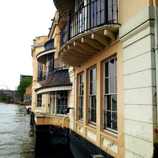Photo taken at Trafalgar Tavern by Alain d. on 6/7/2013