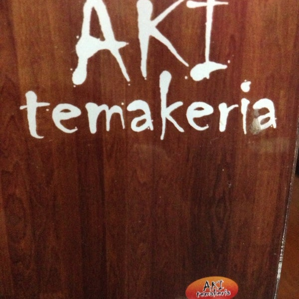 Foto tirada no(a) Aki Temakeria por Kimmy K. em 1/16/2014