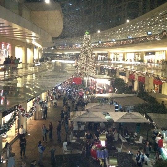 Foto tomada en Antara Fashion Hall por Fercho F. el 12/18/2012