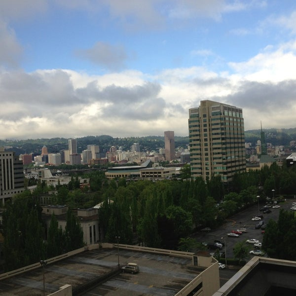Photo taken at DoubleTree by Hilton Hotel Portland by Arjun P. on 5/23/2013