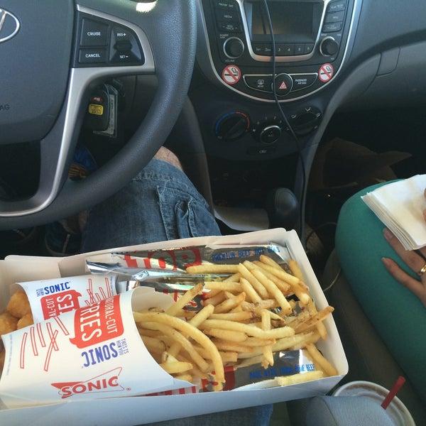 8/10/2015にWalter R.がSONIC Drive Inで撮った写真