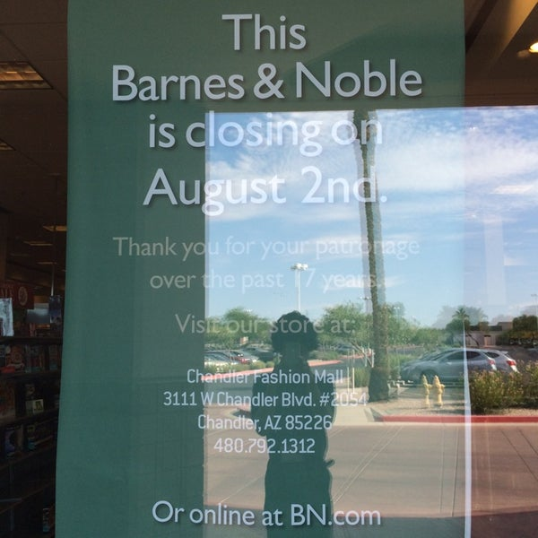 Photo taken at Barnes & Noble by Jon H. on 7/18/2014