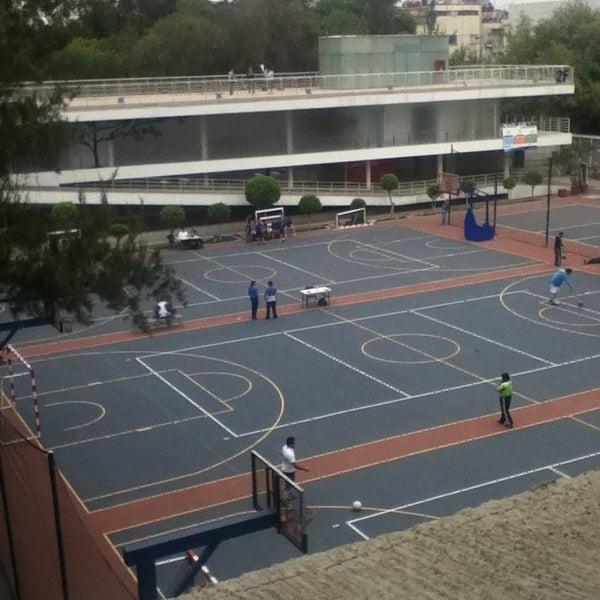 Foto tomada en Universidad La Salle por Andrea M. el 2/16/2013