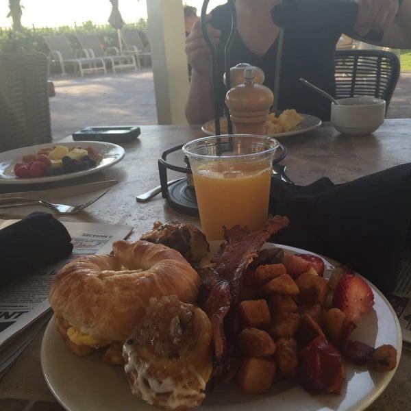 Das Foto wurde bei Marriott Pompano Resort and Spa von Holly T. am 4/2/2015 aufgenommen