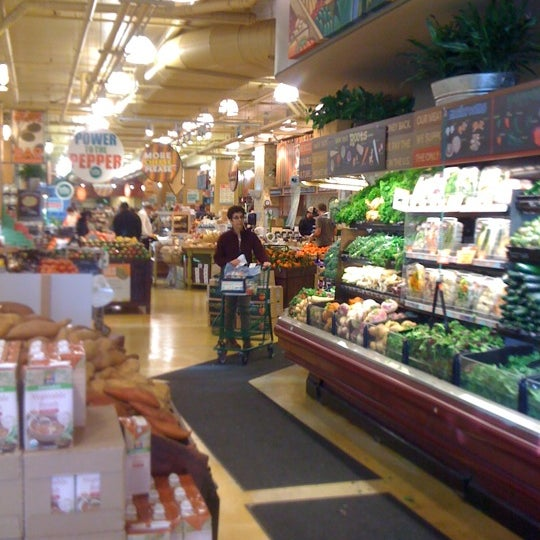 Whole foods market grocery store in san francisco for Hot food bar 3 divisions