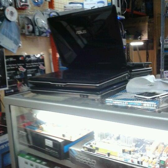 12/4/2012にMas I.がPojok PC Ramai mallで撮った写真