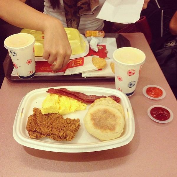Photo taken at McDonald's / McCafé by Jam F. on 9/1/2013