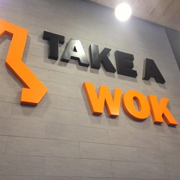 Foto scattata a Take a Wok da Bee A. il 1/21/2013