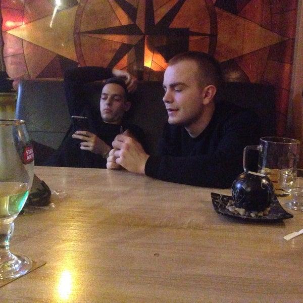 Пришли с друзьями в кальяную,очень крутое место, коллектив отзывчивый, кальян отличный)))Всем советую посещать это кафе!😊