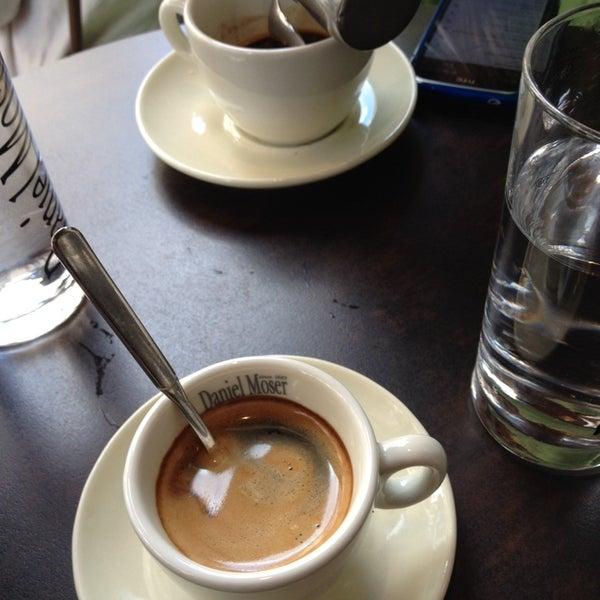 Das Foto wurde bei Café Daniel Moser von Vlasis B. am 6/1/2014 aufgenommen