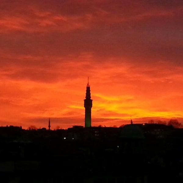 2/19/2013 tarihinde ilhami B.ziyaretçi tarafından Legacy Ottoman Hotel'de çekilen fotoğraf