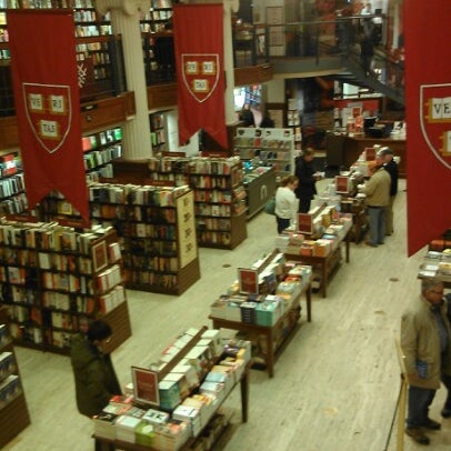 Photo taken at Harvard Coop Society Bookstore by Catherine R. on 4/7/2013
