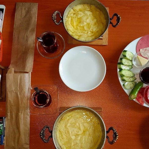9/19/2017 tarihinde Ahmet Ö.ziyaretçi tarafından Fiskos Kahvaltı Cafe'de çekilen fotoğraf