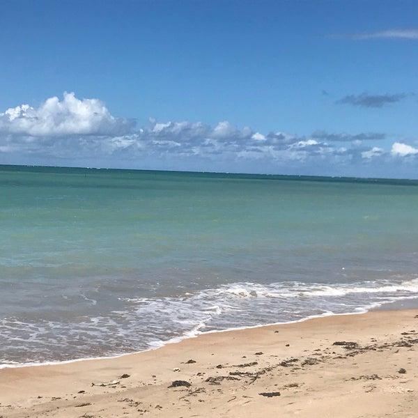 Praia mais linda que já conheci, beleza indescritível!!! Mar com tons de verde que parecem pintados à mão.