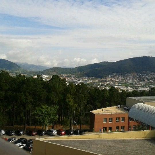 Снимок сделан в PUC Minas пользователем Carola F. 11/20/2012