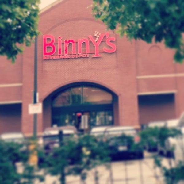 รูปภาพถ่ายที่ Binny's Beverage Depot โดย Eric P. เมื่อ 7/3/2013