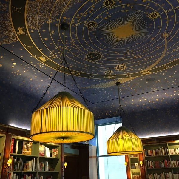 Gorgeous ceiling mural modeled after the starry sky painting created by Franz Stuck. Worth visiting.