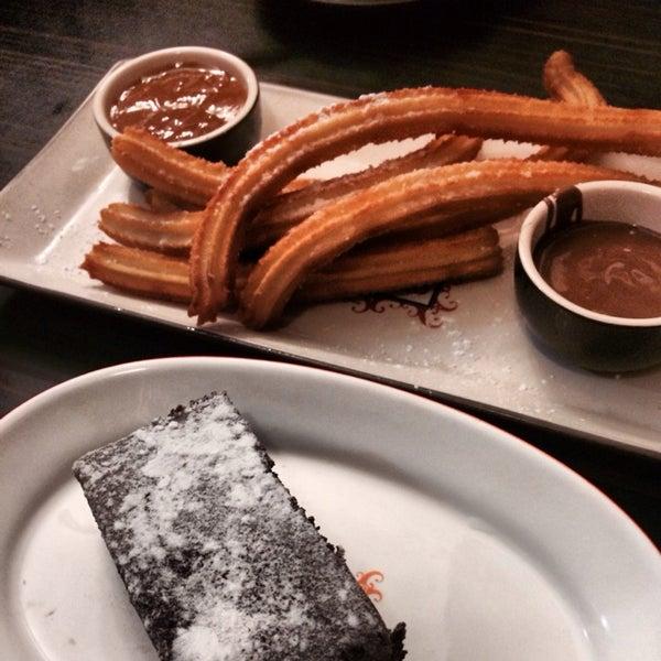 Foto diambil di Chocolateria San Churro oleh Julia S. pada 12/17/2013