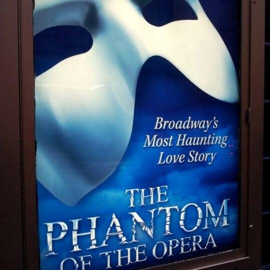 Foto tirada no(a) Majestic Theatre por Ashley F. em 1/16/2013